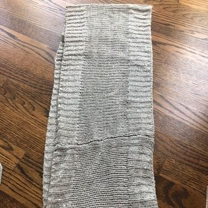 Beautiful sparkle infinity scarf 🧣 EUC